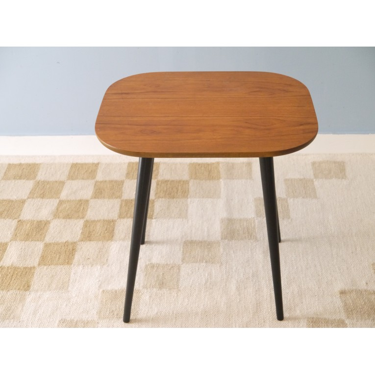 table basse vintage scandinave ann e 50 la maison retro. Black Bedroom Furniture Sets. Home Design Ideas