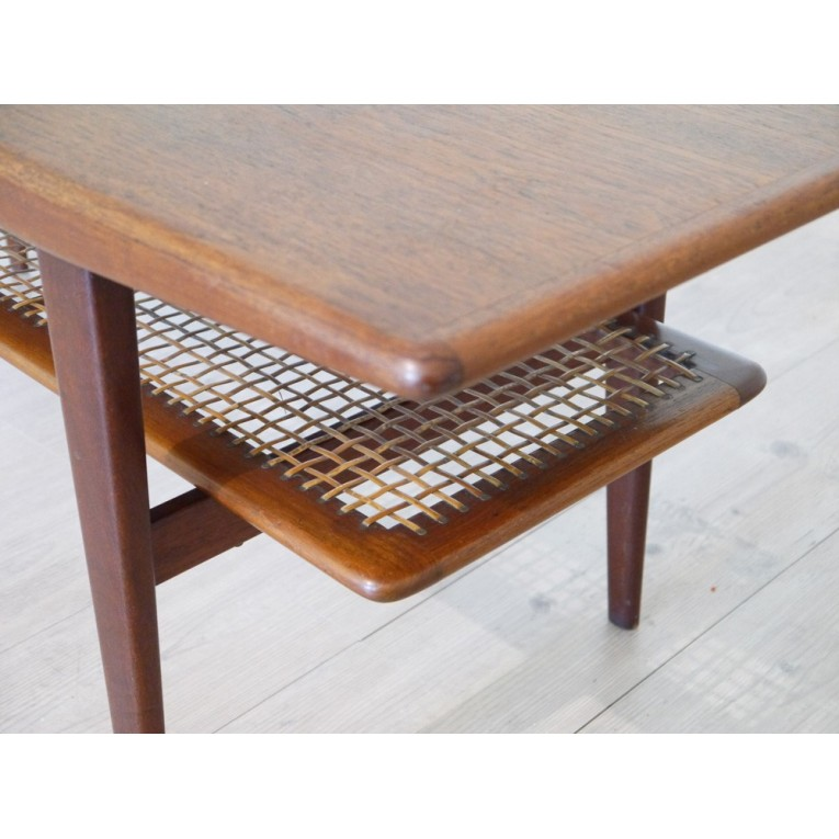 Table basse design scandinave la maison retro for Meuble scandinave table basse
