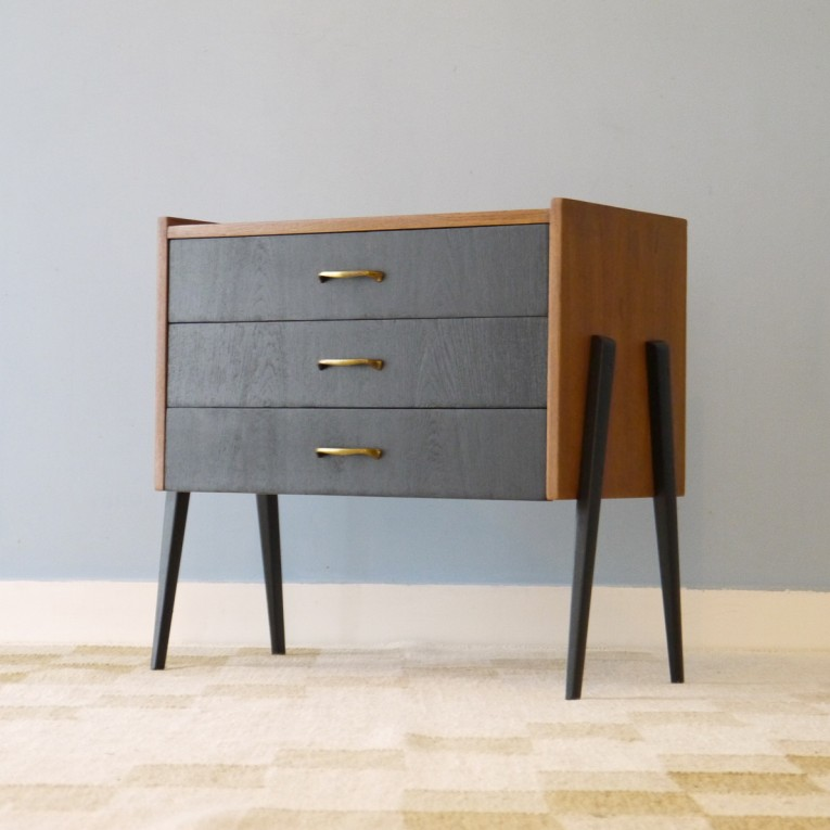 commode vintage scandinave pieds compas la maison retro. Black Bedroom Furniture Sets. Home Design Ideas