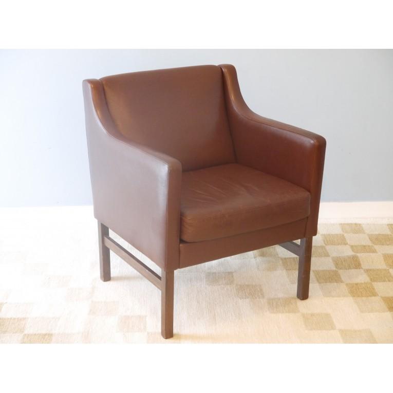 fauteuil design scandinave mobilier vintage la maison retro. Black Bedroom Furniture Sets. Home Design Ideas