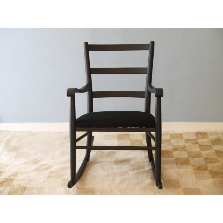 rocking chair fauteuil bascule vintage scandinave la maison retro. Black Bedroom Furniture Sets. Home Design Ideas