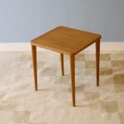 Table d'appoint ou gueridon vintage en teck