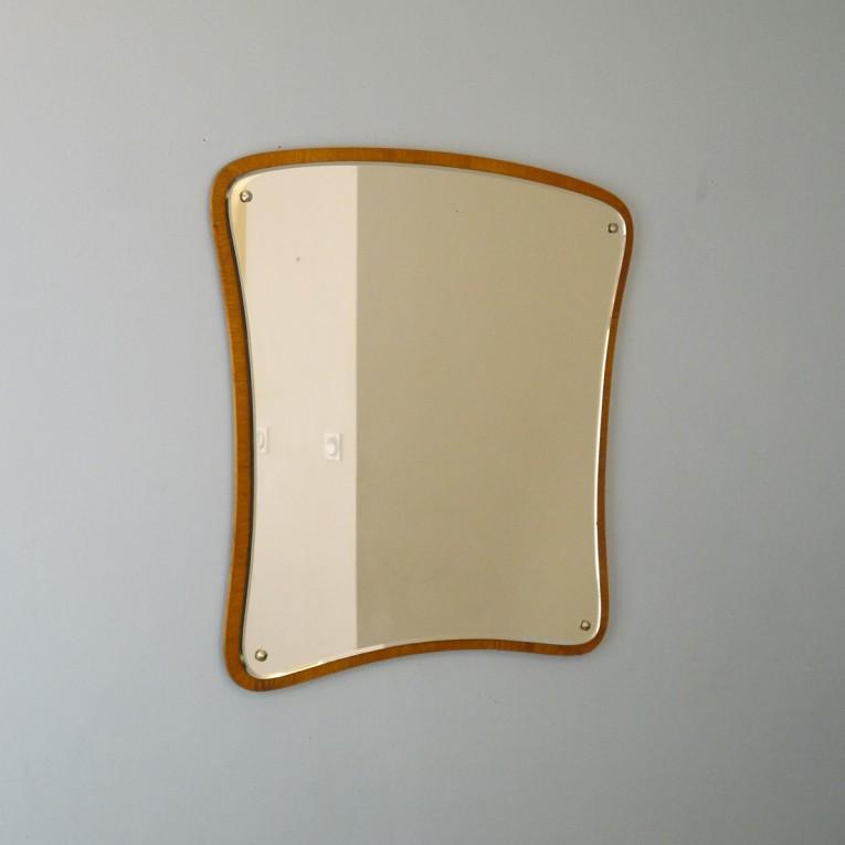 Miroir vintage scandinave asymetrique forme libre la for Miroir forme maison