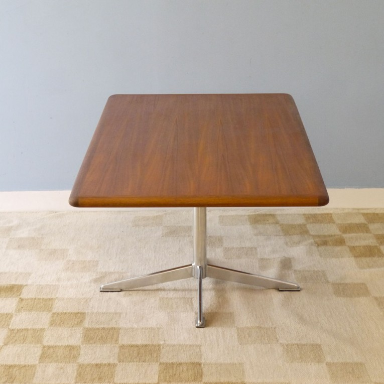 Table basse vintage scandinave metal bois annee 60 la for Table basse retro design