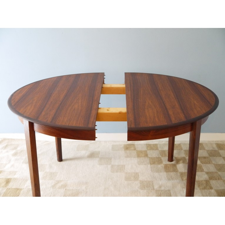 Table ronde repas extensible design danois la maison retro for Table scandinave extensible