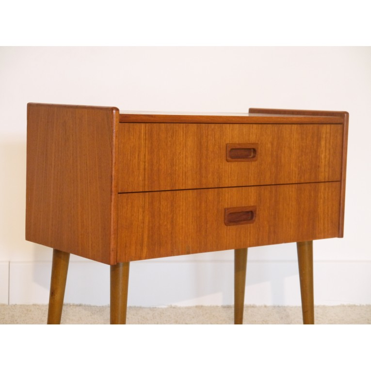 petite commode vintage scandinave teck la maison retro. Black Bedroom Furniture Sets. Home Design Ideas