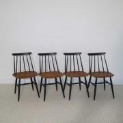 Serie de 4 chaises scandinaves Fanett Tapiovaara design