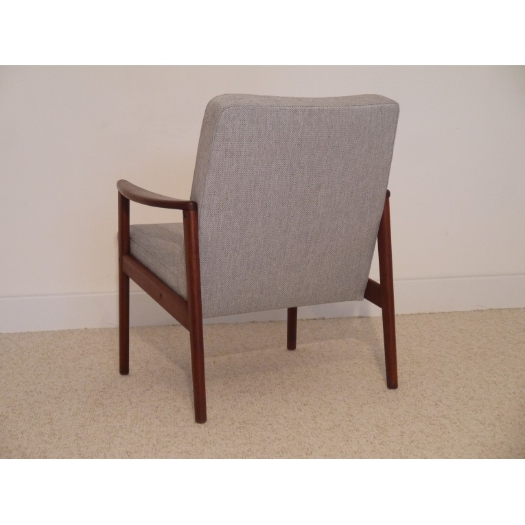 fauteuil design vintage scandinave annee 6 gris teck la maison retro. Black Bedroom Furniture Sets. Home Design Ideas