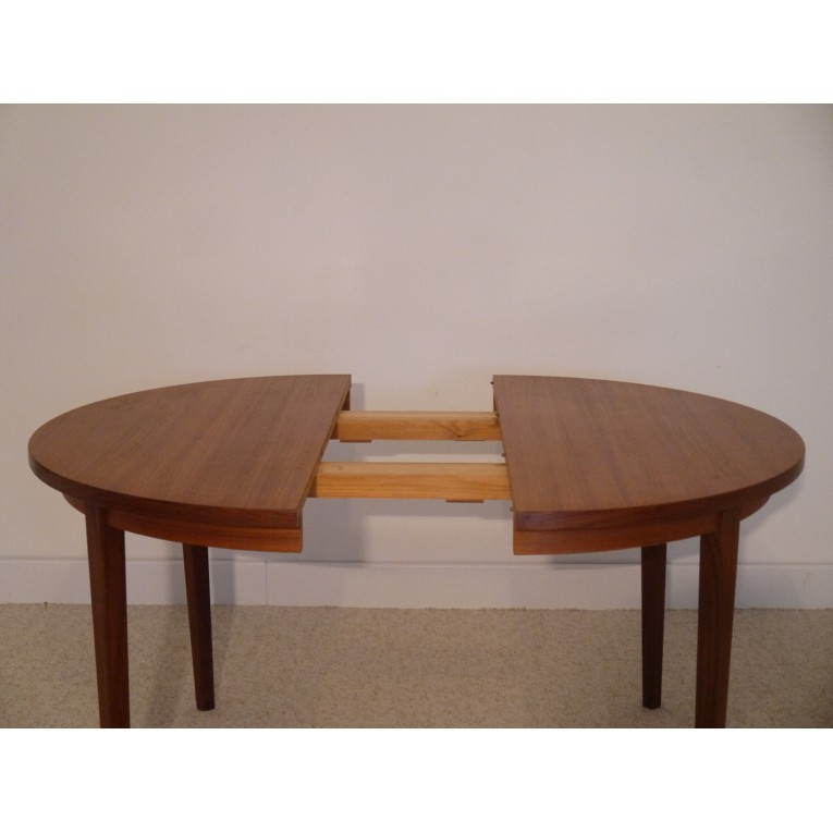 Table repas ronde extensible vintage scandinave la for Table ronde extensible scandinave