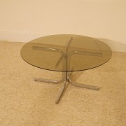 Table basse ronde en verre et metal année 70
