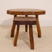 Set de tables basses tripode design brutaliste