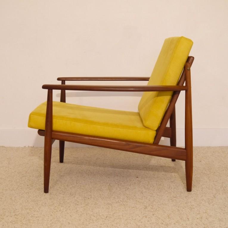 chaise scandinave moutarde beautiful inside lot de chaises design scandinave velvet tissu. Black Bedroom Furniture Sets. Home Design Ideas