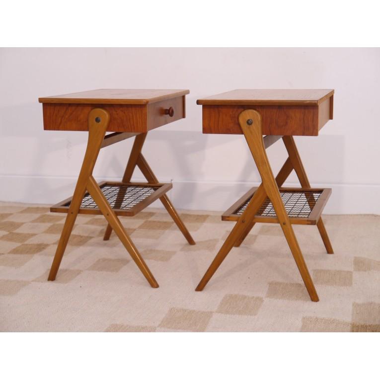 chevets tables vintage danois scandinave pieds compas la maison retro. Black Bedroom Furniture Sets. Home Design Ideas