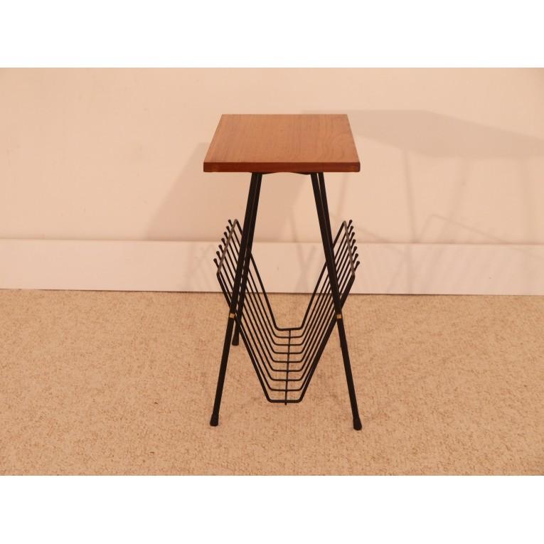 table appoint gueridon porte revue vintage la maison retro. Black Bedroom Furniture Sets. Home Design Ideas