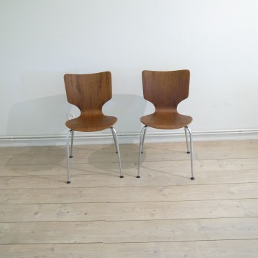 chaises danoise foncees