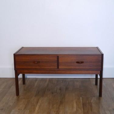 petit meuble de rangement scandinave en palissandre