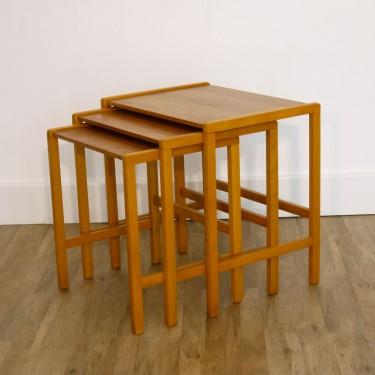 Tables gigognes vintage scandinave en teck 1960