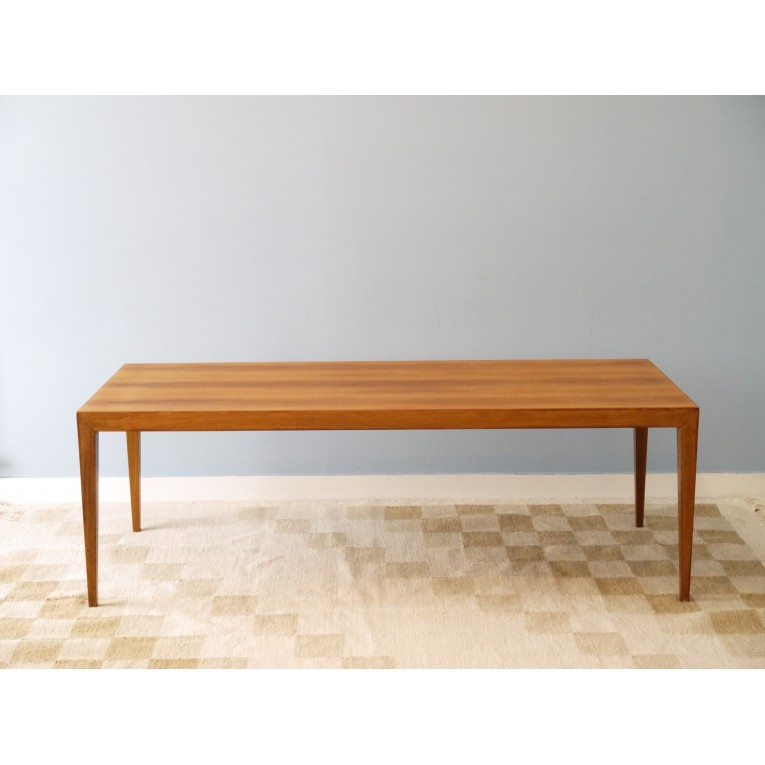 Table basse design scandinave la maison retro for Table basse scandinave auchan