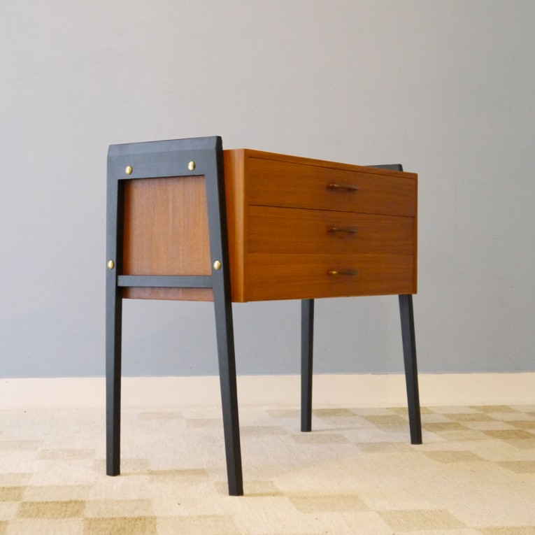 commode vintage pieds compas la maison retro. Black Bedroom Furniture Sets. Home Design Ideas