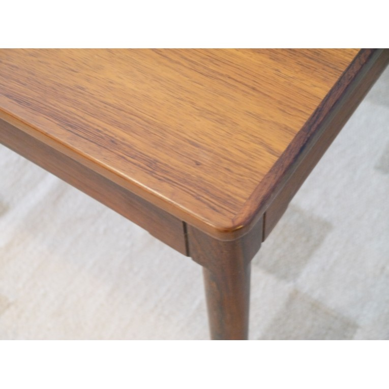 Table basse scandinave en palissandre for Table basse scandinave made