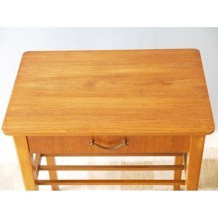 table de chevet vintage scandinave la maison retro. Black Bedroom Furniture Sets. Home Design Ideas