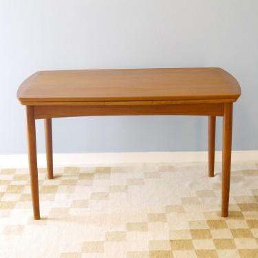 Table à manger design scandinave en teck